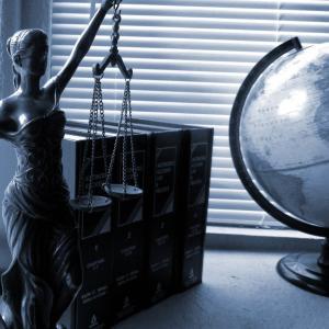逮捕の代償―弁護士費用