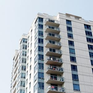 マンション住戸の購入価額のうち、建物と建物附属設備の取得価額の区分が争点となった事例(平成12年7月3日非公開裁決)