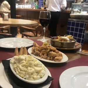 【スペイン旅行】バルセロナのディナーに最適なタパスレストラン♪
