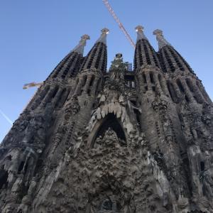 【スペイン旅行】建設中でも綺麗なサグラダ・ファミリアと、バルセロナのカフェ♩