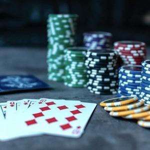 【Netflix】2022年日本でもカジノ解禁♩アメリカの、カジノ・ポーカー関連の映画