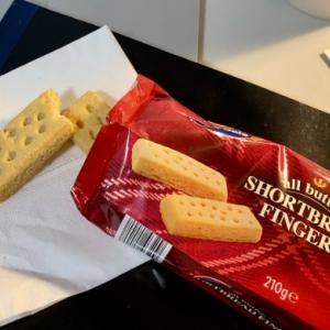【ロンドン】イギリスらしいお菓子と、おうちティータイム ☕️🍪
