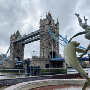 【ロンドン】Tower Bridge(タワーブリッジ)と、世界遺産の Tower of London(ロンドン塔)