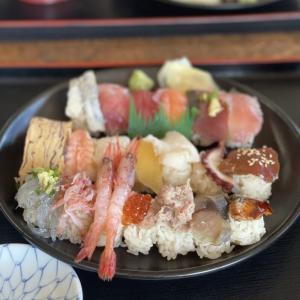 新鮮な魚介に赤酢を使ったお寿司が食べられるお店 金寿司地魚定