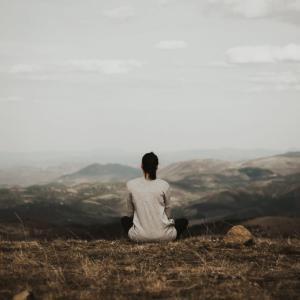 マインドフルネス瞑想とは?意味、効果、方法や実践したメリットとデメリットまとめ