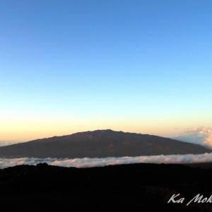 ハワイ島フォト日記 雲海に浮かぶMaunaKeaを観たこと有るかい?