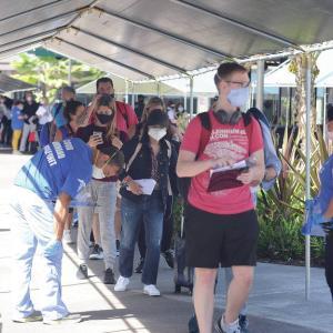 ハワイ島週刊ニュース 観光客の受け入れが始まったよ!