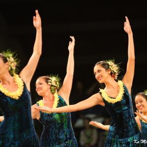 2011MerrieMonarch Auana 優雅に舞うドレスナイト!