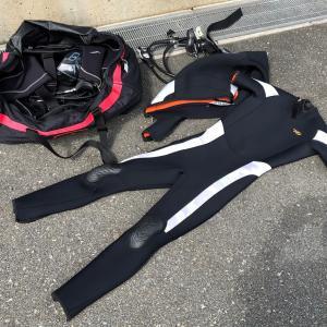 ダイビングでウェットスーツの持ち運び方【具体例】