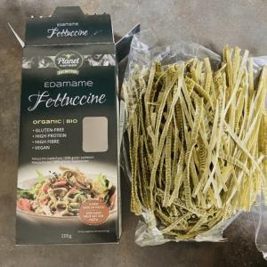 枝豆で作られたフェットチーネ