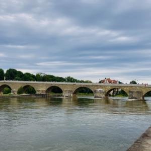 橋の上の宝の夢