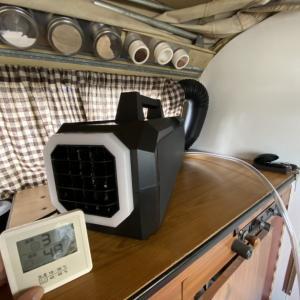 夏の車中泊にポータブルクーラーが使えるって本当!?冷却効果や消費電力を検証!おすすめのポータブルクーラーやエアコン、冷房機器を紹介!