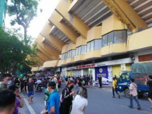 意外と盛り上がってる!ベトナムのプロサッカー「Vリーグ」を見に行く【ベトナム生活】