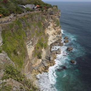 バリ島の観光スポット ウルワツ寺院