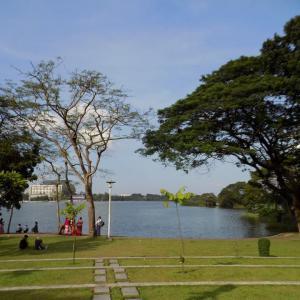 ヤンゴン インヤー湖の湖畔でまったり