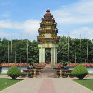 シェムリアップ カンボジア・ベトナム戦争記念広場