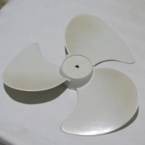 シェムリアップ 3週間に一度の扇風機ごゆるり掃除