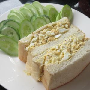 シェムリアップ 卵を食べる卵サンドごゆるり自炊