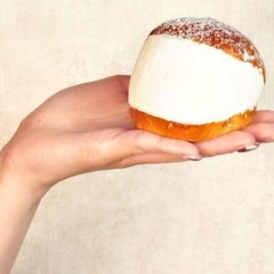 【怒報】マリトッツォ、クッソ食いにくい欠陥食品だった😠