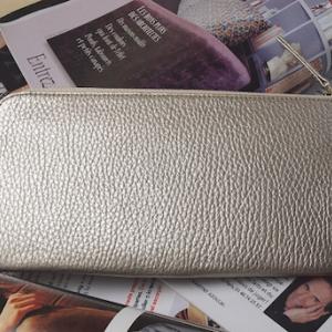 大容量なのにコンパクトな主婦用財布をお探しなら開運財布がおすすめ!