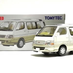 トミカリミテッドヴィンテージNEO LV-N216a トヨタ ハイエースワゴン リビングサルーン EX 2002年式