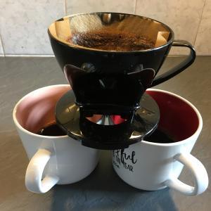 この身体の不調はコーヒーの飲みすぎが原因かも?~カフェイン依存者がカフェインレスコーヒーを飲むようになるまで~