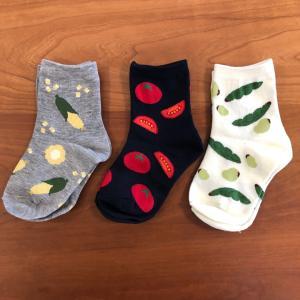 100均・Seriaセリアの子ども用靴下「おやさいマルシェSOCKS」シリーズ