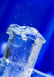 酒やめて水分補給と塩分チャージを