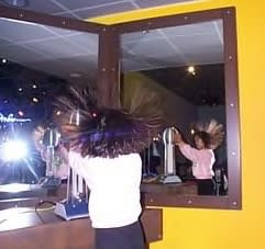 ハロウィーン向けにいかが?総毛立つ髪