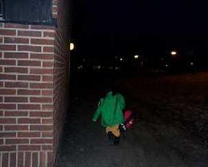 暗い中、学校へ