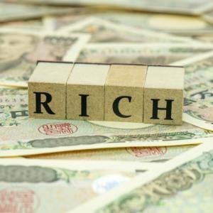 富裕層増加で富裕層に向けた増税の動きがあるという記事を見つけた。富裕層はやはり強い。