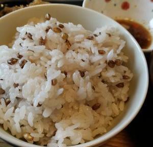 雑穀ごはんの感想:国産有機皮付もち麦を初めて炊いてみた