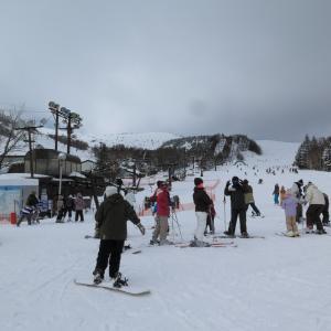 初めてスキーをした日のこと