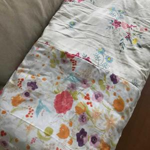枕カバーを作りました 政府にも少し吠えてます