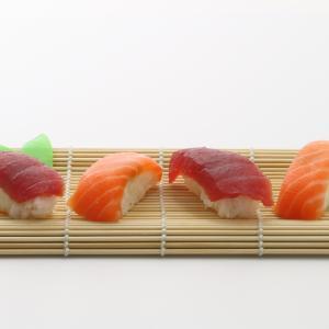 お寿司をテイクアウトしてみました。