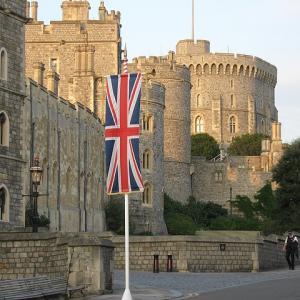 英王室アンドルー王子、逮捕間近か?若返ると言われているアドレノクロムとは。