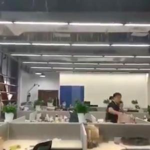 遂に上海も浸水。ビルでは漏水。中国、至る所で手抜き工事が露呈。