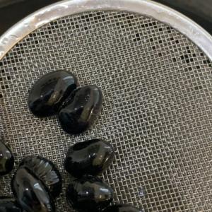 重曹を使わない我が家の黒豆レシピ。