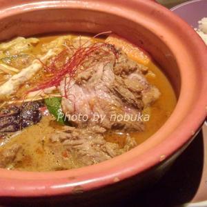 生ラムタタキのスープカレーは本場札幌でも希少な羊骨スープで絶品!
