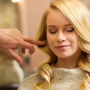 女性で毎日髪を洗わないのはアリ?外国の洗髪事情を調べてみた