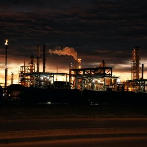 【体験談】工場勤務の夜勤とは?メリット・デメリットを徹底解説します。