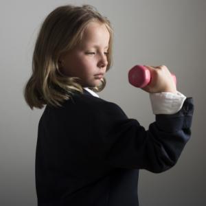 子どもの筋トレは成長の妨げ?身長が伸びない説は本当なの?