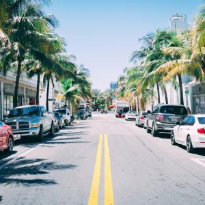 アメリカの交通ルール | 迷いやすい規則まとめ