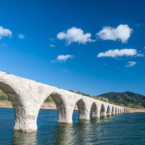 タウシュベツ川橋梁の現在。見納めに行くなら今