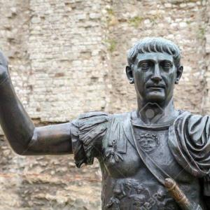トラヤヌスとはどんな人物か?軍事力もあり民衆からも支持された皇帝
