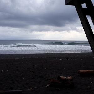 一昨日のバリ島クラマスの波・サーフィン動画