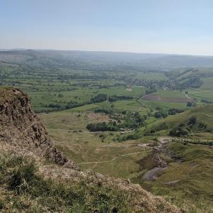 イギリスで自粛制限が緩和されました。ので、Peak Districtに、ハイキング!