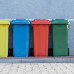 ドイツでゴミ箱争奪戦!?