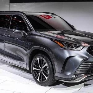 トヨタ「次期クラウン」SUV化で世界戦略車に!ブランド廃止一転で高級ハイランダー?