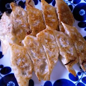 【パリパリの餃子】白菜とネギでおいしい手作り餃子を作りました。